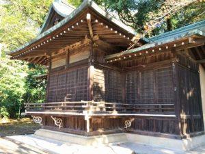 氷川神社境内